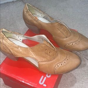 Boutique 9 oxford heel size 9.5